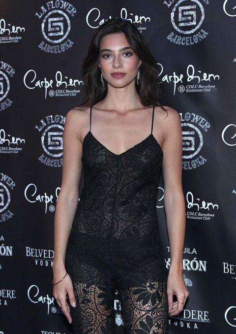 Clothing, Fashion, Dress, Fashion model, Little black dress, Shoulder, Long hair, Cocktail dress, Black hair, Premiere,