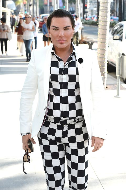 Clothing, Outerwear, Collar, White, Street, Style, Bag, Street fashion, Fashion, Blazer,