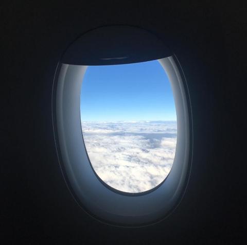 Blue, Daytime, Atmosphere, Photograph, White, Air travel, Daylighting, Horizon, Fixture, Azure,