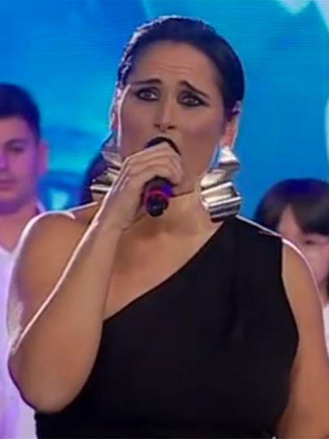 Singing, Nose, Singer, Performance, Song, Cheek, Lip, Mouth, Music artist, Neck,