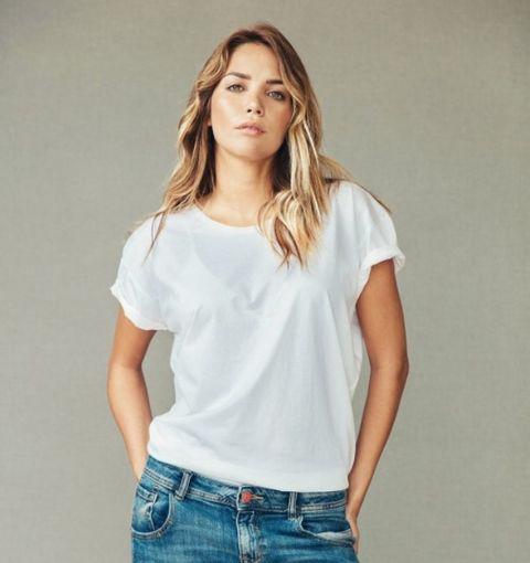 Clothing, White, Shoulder, Neck, Sleeve, T-shirt, Joint, Top, Blouse, Pocket,