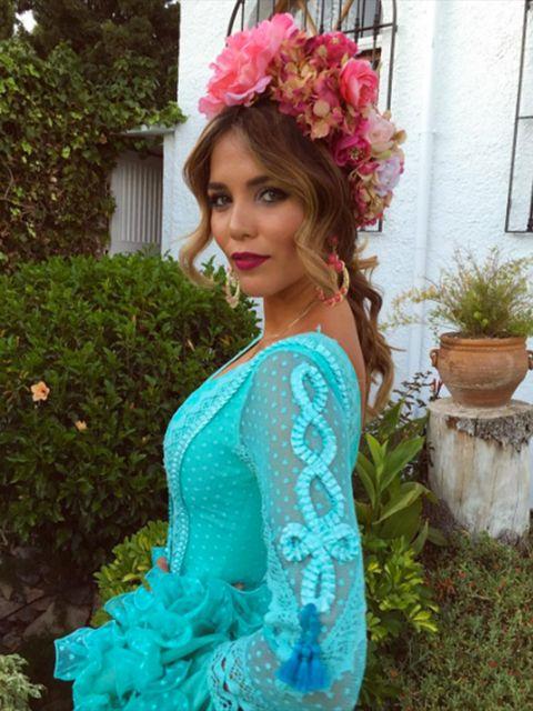 Flowerpot, Petal, Hair accessory, Teal, Beauty, Dress, Aqua, Turquoise, Artificial flower, Houseplant,
