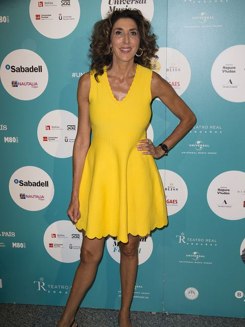 Clothing, Dress, Cocktail dress, Yellow, Shoulder, Turquoise, Joint, Footwear, Electric blue, Leg,