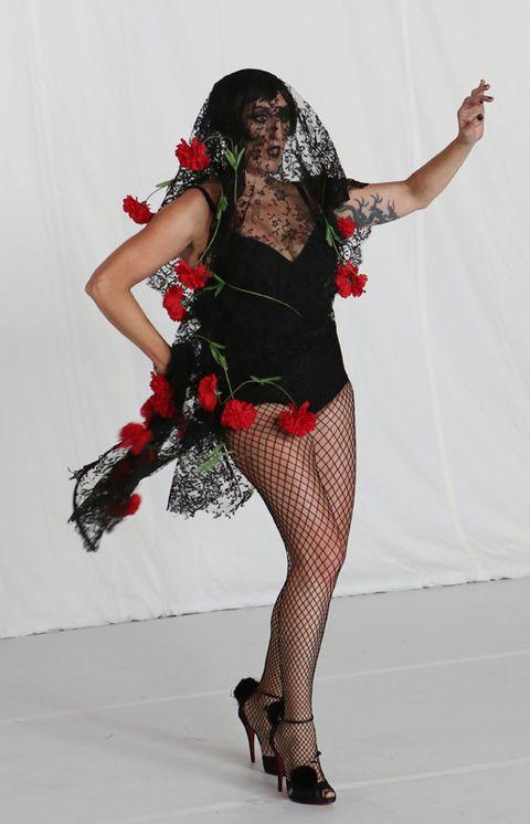 Human leg, Shoe, High heels, Performing arts, Costume, Costume accessory, Knee, Costume design, Fashion, Thigh,