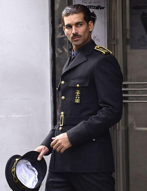 Sleeve, Collar, Dress shirt, Standing, Formal wear, Ball, Suit trousers, Blazer, Pocket, Street fashion,
