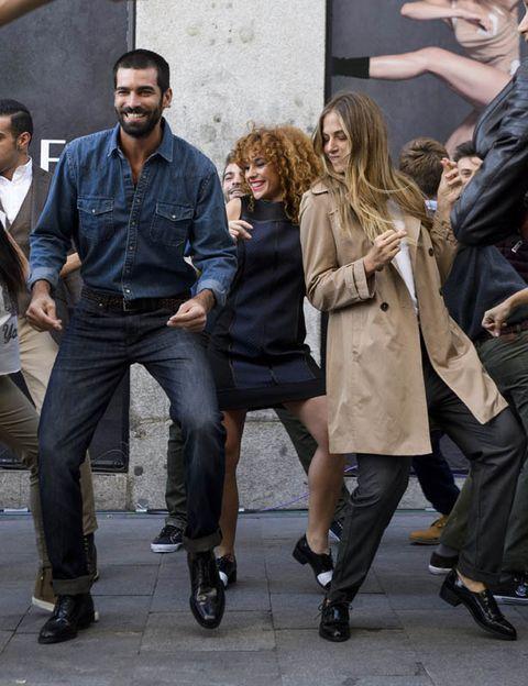 Clothing, Hair, Face, Footwear, Arm, Leg, Trousers, Shirt, Coat, Outerwear,