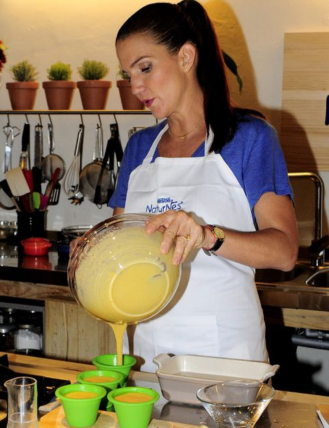 Serveware, Flowerpot, Mixing bowl, Bowl, Dishware, Houseplant, Kitchen utensil, Cooking, Ghee, Recipe,