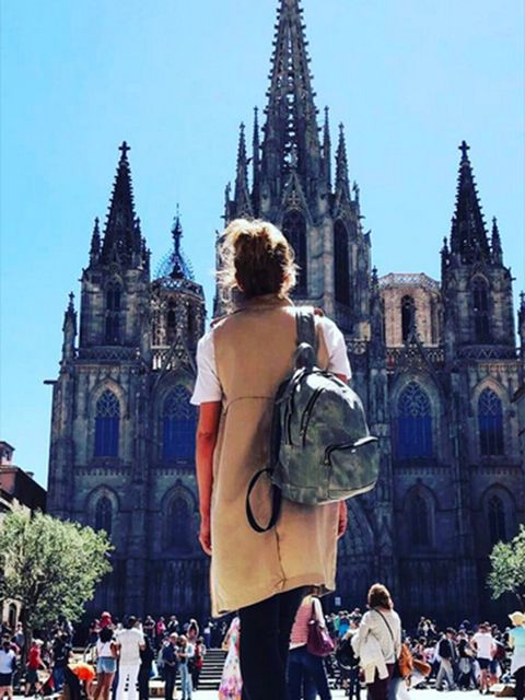 Clothing, Tourism, Spire, Steeple, Style, Bag, Landmark, Street fashion, Travel, Finial,