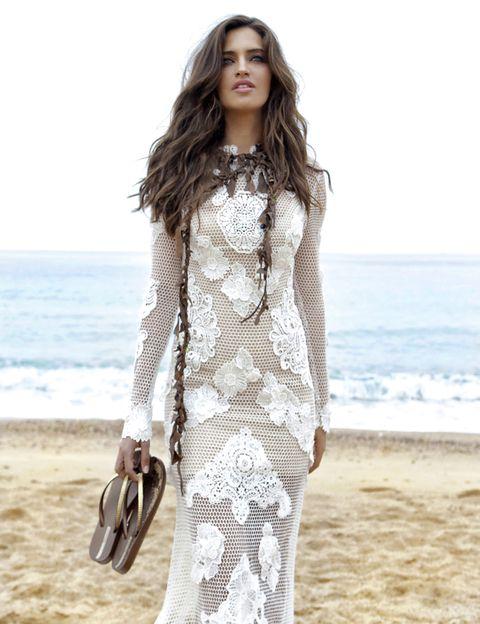 Sleeve, Shoulder, Textile, Coastal and oceanic landforms, Style, Summer, Ocean, Fashion model, Street fashion, Beauty,