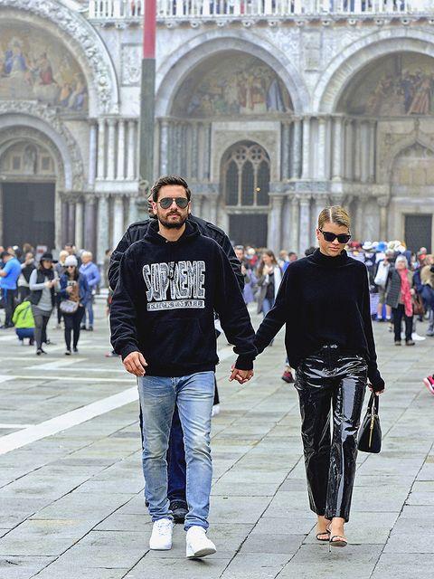People, Street fashion, Fashion, Jeans, Architecture, Tourism, Snapshot, Footwear, Human, Jacket,