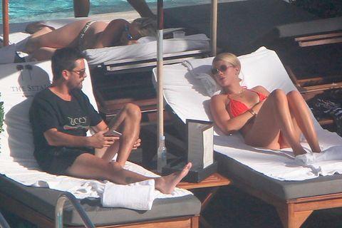 Sun tanning, Vacation, Leisure, Summer, Leg, Fun, Sitting,