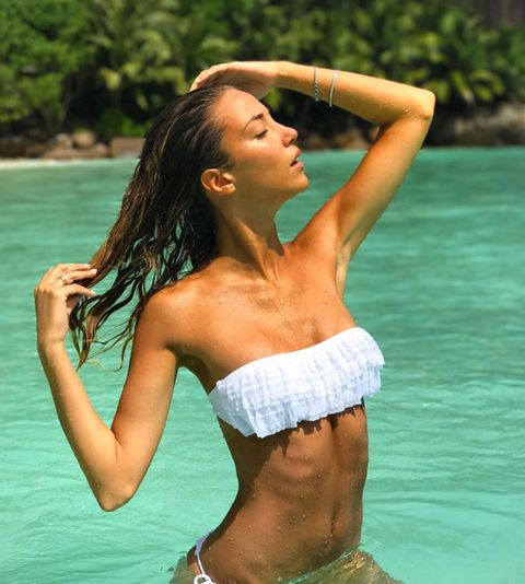 Clothing, Hairstyle, Skin, Shoulder, Water, Photograph, Joint, Leisure, Waist, Summer,