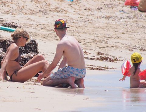 Fun, Sand, Hat, Cap, Summer, Beach, People in nature, Vacation, Headgear, Goggles,