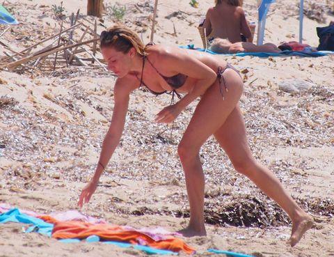 Fun, Summer, People in nature, Sand, Vacation, Brassiere, Beauty, Sun tanning, Beach, Toe,
