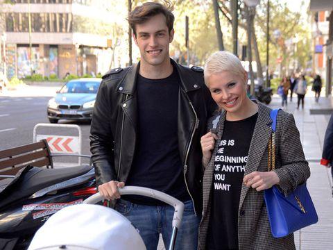 People, Street fashion, Fashion, Product, Jacket, Snapshot, T-shirt, Human, Street, Jeans,