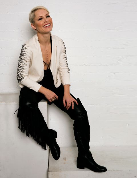 Sleeve, Style, Sitting, Fashion, Jewellery, Blazer, Street fashion, Fashion model, Photo shoot, Necklace,