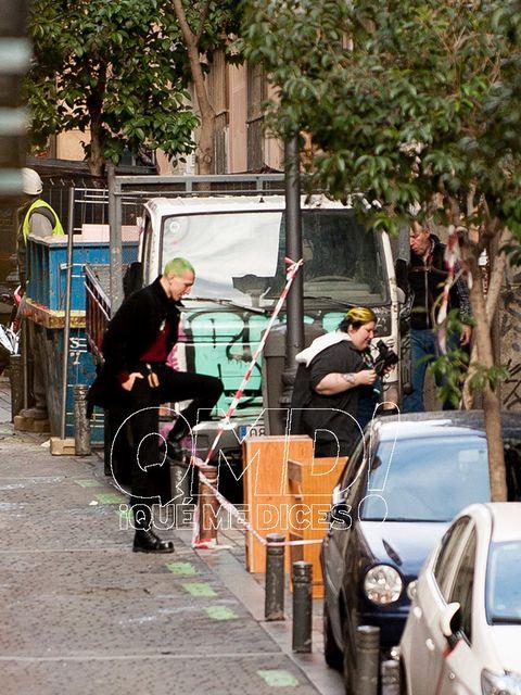 People, Mode of transport, Transport, Vehicle, Snapshot, Urban area, Street, Pedestrian, Sidewalk, Street performance,