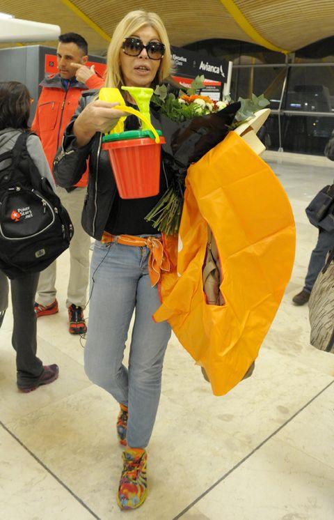 Eyewear, Goggles, Bag, Sunglasses, Luggage and bags, Orange, Street fashion, Costume, Backpack, Handbag,