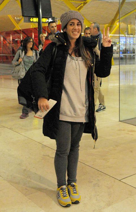 Footwear, Leg, Trousers, Coat, Jacket, Jeans, Hat, Outerwear, Bag, Street fashion,