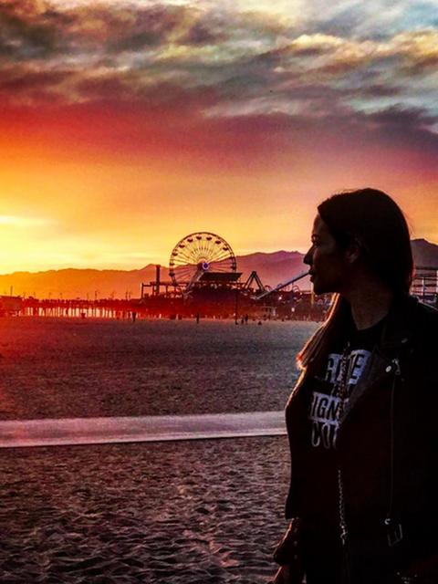 Ferris wheel, Dusk, Evening, Landmark, Horizon, Sunset, Travel, Sunlight, Afterglow, Sunrise,
