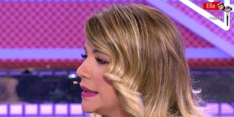 Hair, Blond, Face, Hairstyle, Chin, Nose, Long hair, Forehead, Cheek, Lip,