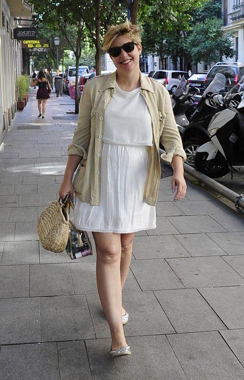 Clothing, Eyewear, Bag, Photograph, Outerwear, Sunglasses, Fashion accessory, Style, Street, Dress,