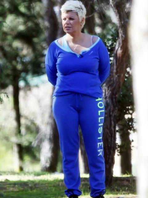 Human, Blue, Sleeve, People in nature, Active pants, Electric blue, sweatpant, Cobalt blue, Majorelle blue, Waist,