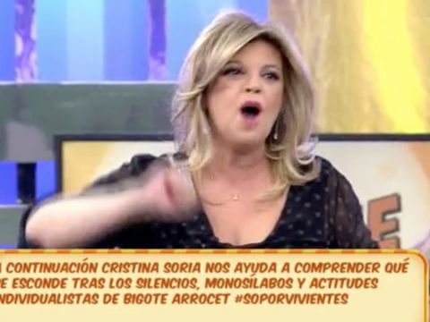 Face, Blond, Facial expression, News, Nose, Cheek, Skin, Mouth, Media, Television presenter,