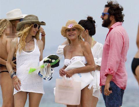 Eyewear, Hair, Arm, Hat, Fun, Dress, Happy, Fashion accessory, Sunglasses, Summer,