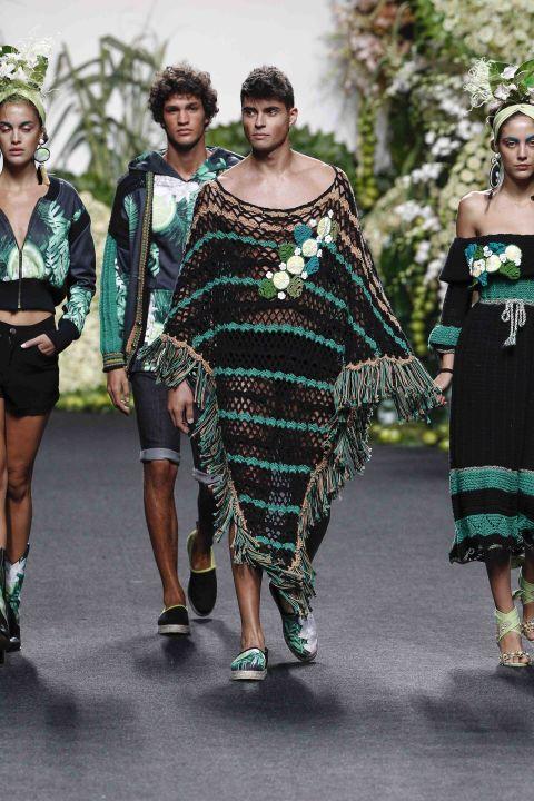 Fashion, Runway, Fashion model, Green, Clothing, Fashion show, Shoulder, Fashion design, Dress, Joint,