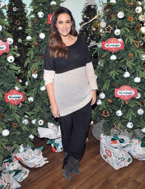 Event, Christmas decoration, Red, Christmas ornament, Christmas tree, Interior design, Holiday, Christmas, Winter, Christmas eve,