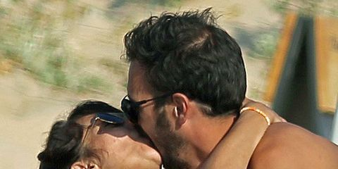 Eyewear, Ear, Vision care, Hairstyle, Shoulder, Romance, Interaction, Love, Back, Neck,