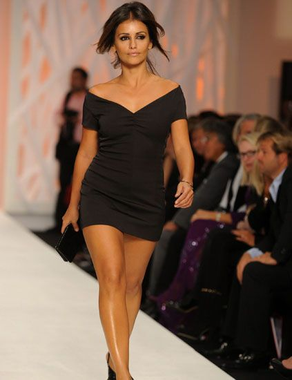 Clothing, Human, Leg, Fashion show, Event, Shoulder, Human leg, Joint, Dress, Outerwear,