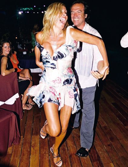 Clothing, Leg, Fun, Dress, Shoe, Cocktail dress, One-piece garment, Wood flooring, Party, Thigh,
