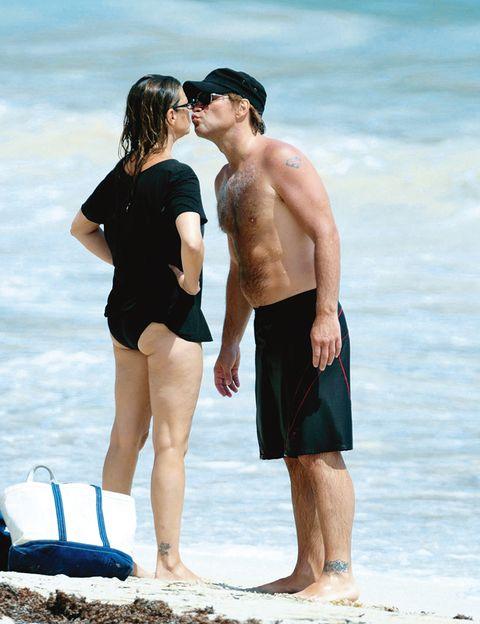 Leg, Fun, People on beach, Human leg, Barefoot, People in nature, Summer, Interaction, Shorts, Holiday,