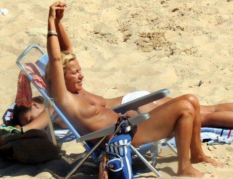 Leg, Fun, Sand, Toe, Sun tanning, Summer, Sitting, Swimwear, Beach, Vacation,