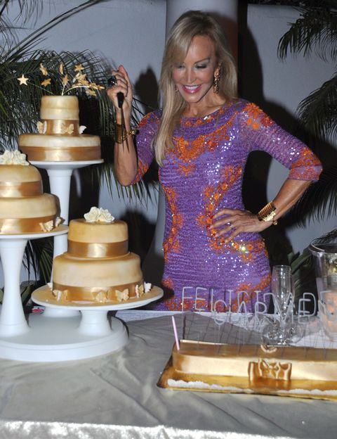 Cuisine, Cake, Sweetness, Food, Dessert, Ingredient, Baked goods, Cake decorating, Icing, Dish,