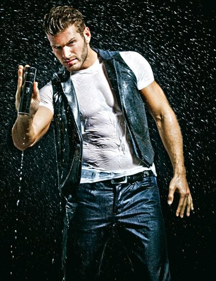 Denim, Hand, Jeans, Cool, Leather, Pocket, Chest, Flash photography, Belt, Leather jacket,