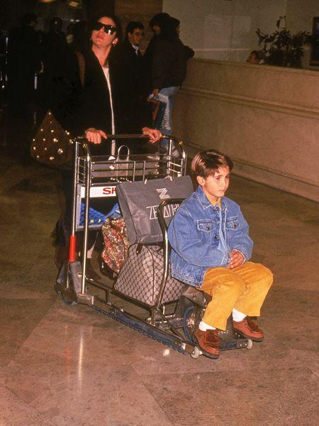 Shopping cart, Cart, Houseplant, Goggles, Service, Shopping,