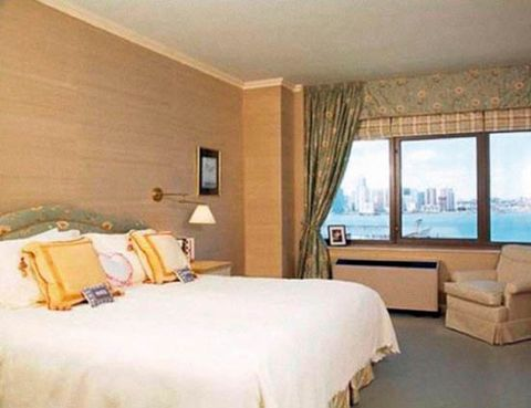 Room, Interior design, Bed, Floor, Property, Bedding, Wall, Textile, Real estate, Bed sheet,