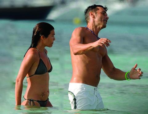 Brassiere, Summer, People on beach, People in nature, Abdomen, Trunk, Swimwear, Muscle, Chest, Undergarment,