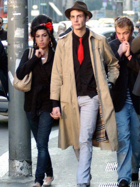 Clothing, Leg, Trousers, Denim, Hat, Coat, Jeans, Shirt, Textile, Outerwear,