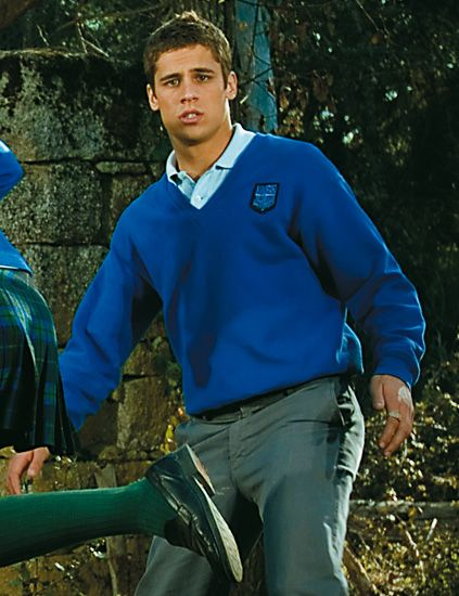 Sleeve, People in nature, Electric blue, Active pants, Belt, Sweater, Glove,