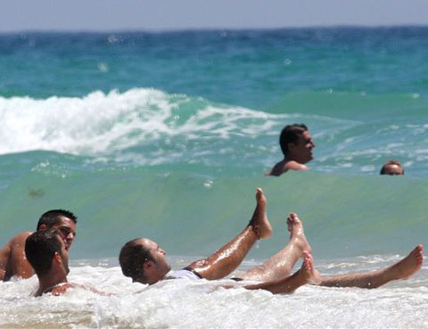 Body of water, Fun, Water, Leisure, Recreation, Summer, People in nature, Ocean, Toe, Muscle,