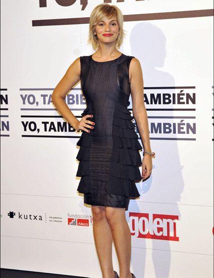 Dress, Shoulder, Joint, Premiere, One-piece garment, Style, Cocktail dress, Fashion model, Eyelash, Day dress,