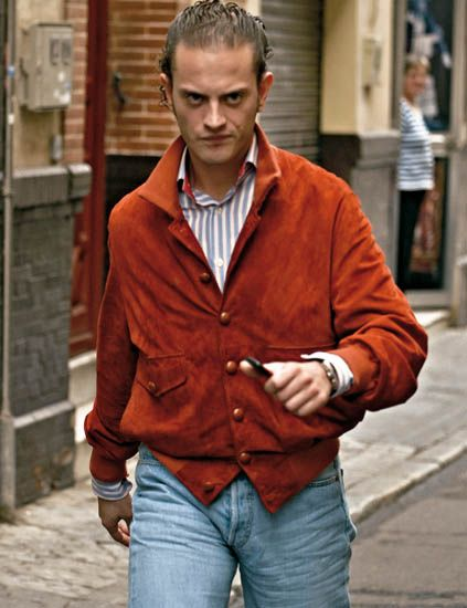 Sleeve, Trousers, Denim, Collar, Jeans, Textile, Outerwear, Standing, Pocket, Street fashion,