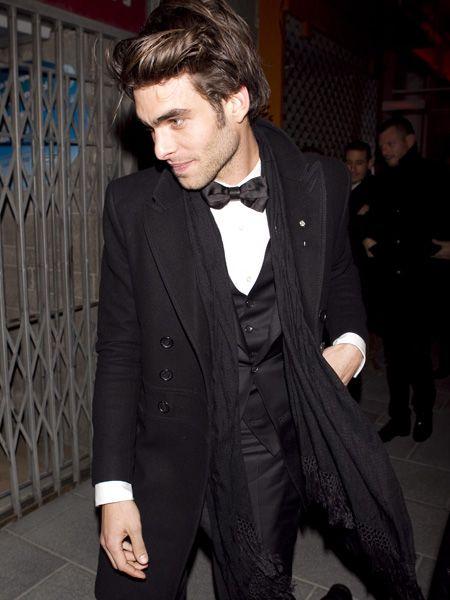 Coat, Collar, Outerwear, Formal wear, Style, Dress shirt, Blazer, Suit, Fashion, Street fashion,