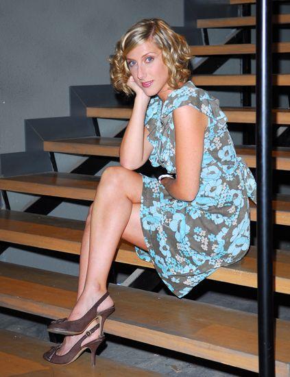 Human leg, Human body, Sitting, Joint, Shoe, Style, High heels, Knee, Sandal, Foot,