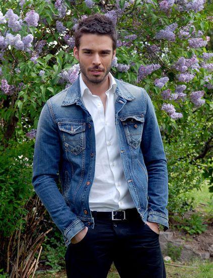 Clothing, Blue, Dress shirt, Denim, Collar, Sleeve, Trousers, Pocket, Jeans, Textile,