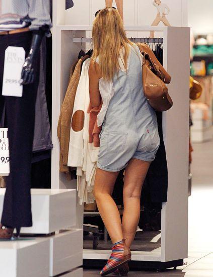 Human leg, Fashion, Clothes hanger, Dress, Street fashion, Calf, Retail, High heels, Fashion design, Closet,